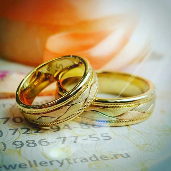 """Обручальное кольцо """"Косичка"""" из 4-х цветов золота"""