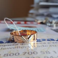 """Кольцо из комбинированного золота бриллиантом """"Дизайн"""""""