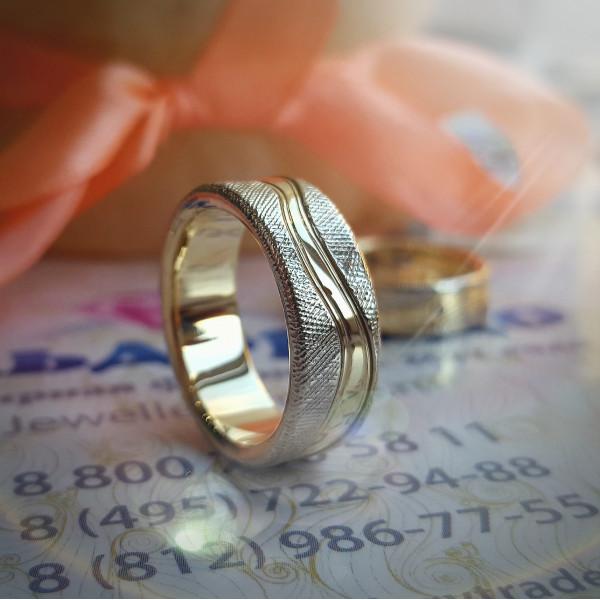 """Кольцо из комбинированного золота     - Обручальные Кольца Коллекция """"Дизайн"""""""