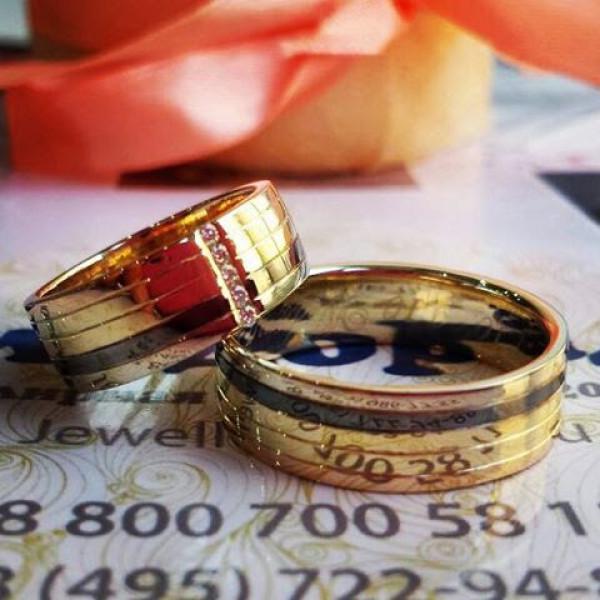 """Обручальное кольцо из комбинированного золота  """"Полосы"""" Эксклюзив"""