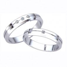 Кольцо из белого с золота с алмазом