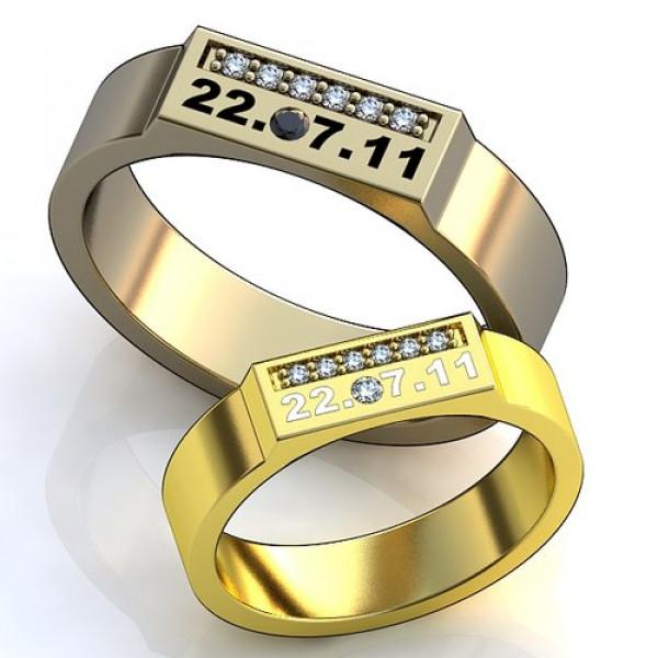 Кольцо из  белого золота с бриллиантами и с сапфиром