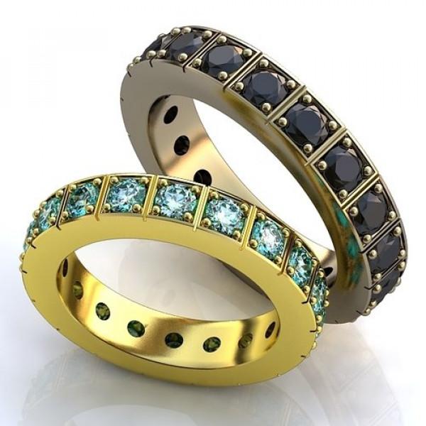 Кольцо из желтого золота с топазами