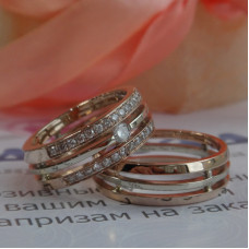 Кольцо тройное из белого и розового золота с бриллиантами