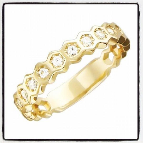Миниатюрное обручальное кольцо из желтого золота с бриллиантами
