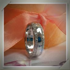 Обручальное кольцо из белого родированого золота с бриллиантами