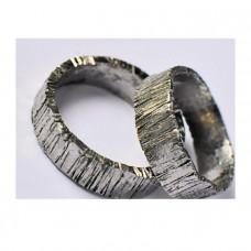 Обручальное кольцо из белого золота ' С трещинами'