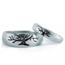 """Обручальное кольцо из белого золота с чернением 'Дерево"""""""