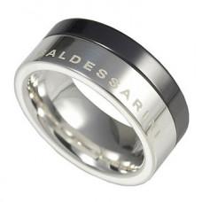 Обручальное кольцо из черного и белого золота