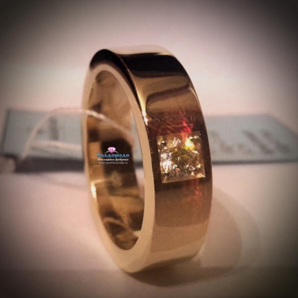 Обручальное кольцо из желтого золота с белым и чёрным бриллиантами