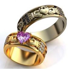 Обручальное кольцо из желтого золота с бриллиантами и аметистом