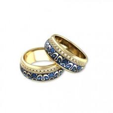 Обручальное кольцо из желтого золота с бриллиантами и эмалью