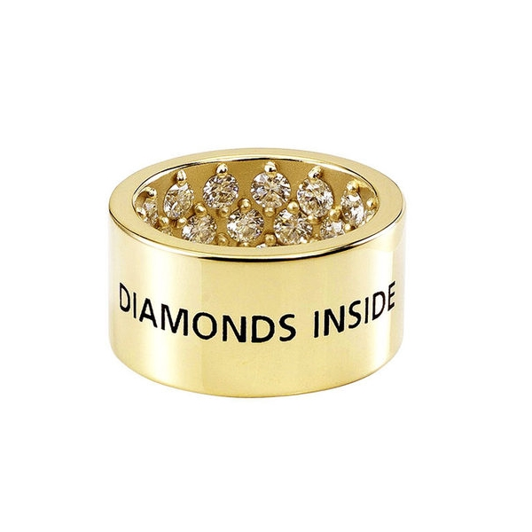 Обручальное кольцо из желтого золота с бриллиантами на внутренней стороне
