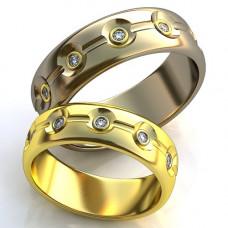 Обручальное кольцо из желтого золота с бриллиантами