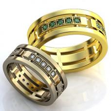 Обручальное кольцо из желтого золота с изумрудами