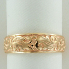 Обручальное кольцо из желтого золота с узором