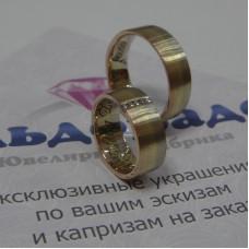 Обручальное кольцо из комбинированного и золота