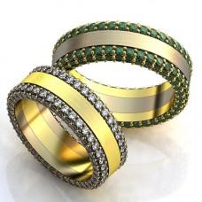 Обручальное кольцо из комбинированного золота с изумрудами