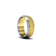 Обручальное кольцо из комбинированного золота с пятью бриллиантами
