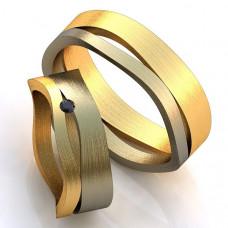 Обручальное кольцо из комбинированного золота с сапфиром