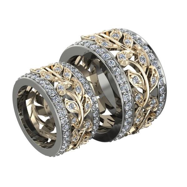 Обручальное кольцо из комбинированного золота с узором в виде веточки с бриллиантами