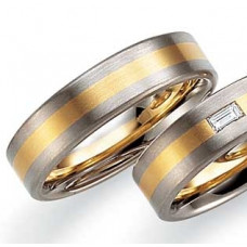 Обручальное кольцо из комбинированного