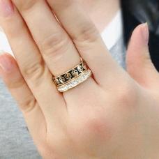 Обручальное кольцо из красного золота с бриллиантами и чернением