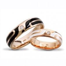 Обручальное кольцо из красного золота с бриллиантом и  эмалью