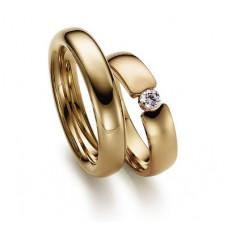 Обручальное кольцо из красного золота с бриллиантом