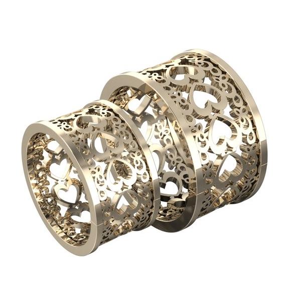 Обручальное кольцо из красного золота с узором из сердец