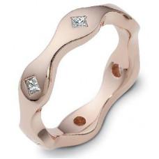 Обручальное кольцо из розового золота с алмазами