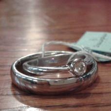 Обручальное кольцо из белого золота с родиевым покрытием