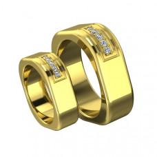 Обручальное кольцо квадратной формы из желтого золота с бриллиантами