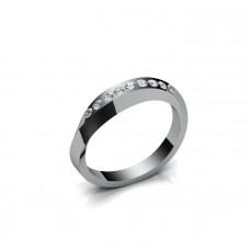 Обручальное кольцо с изгибом из белого золота с бриллиантами