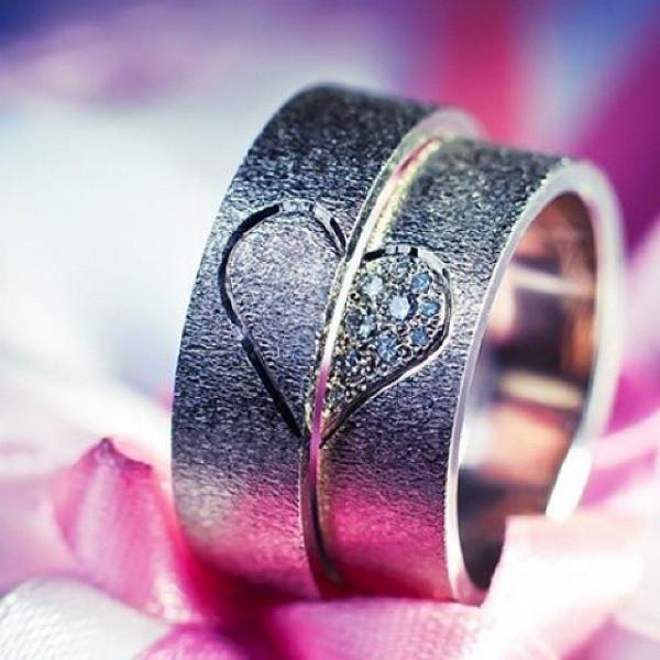 Обручальное кольцо 'Сердце' из белого золота