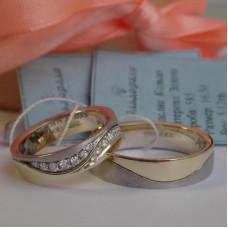 """Обручальное кольцо """"Волна"""" из комбинированного золота"""