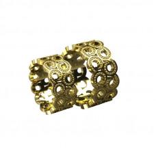 широкое обручальное кольцо из желтого золота в виде узора