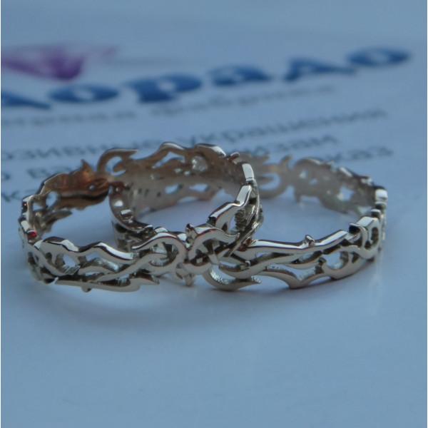 Узорное обручальное кольцо из белого золота